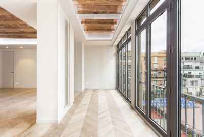 Bright renovated apartment in Barcelona close to Plaza Catalunya